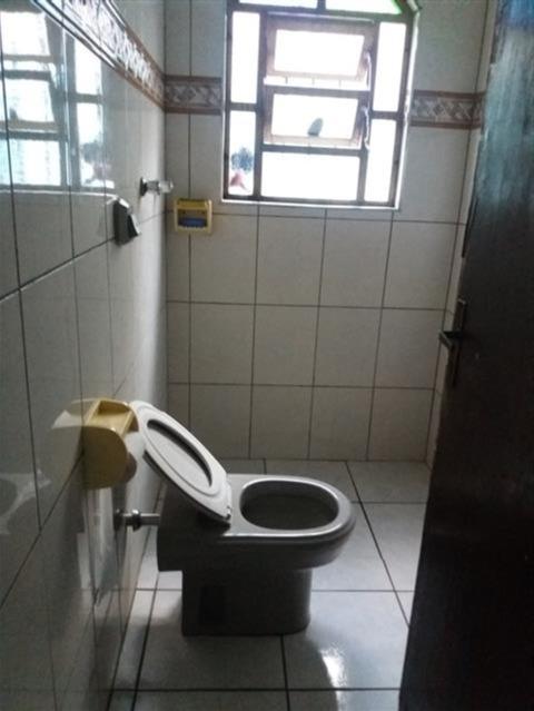 casa em mongaguá r$165.000 á vista com 3 dormitórios- n 5598