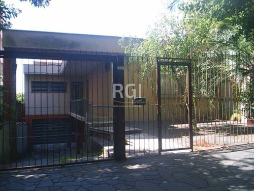 casa em petrópolis com 3 dormitórios - bt6661