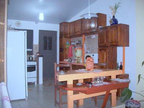 casa em protásio alves com 2 dormitórios - li2142