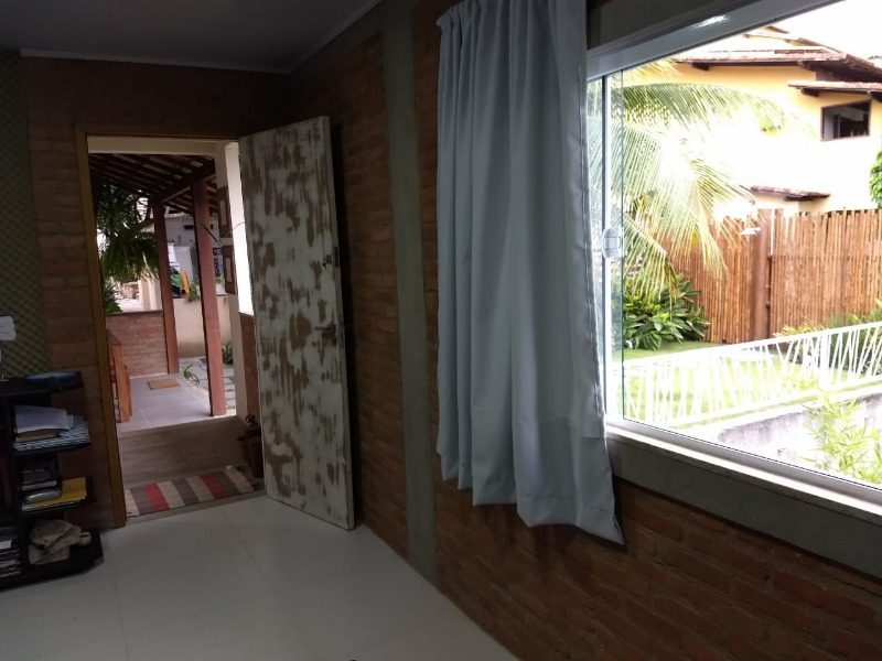 casa em rua fechada, 2 quartos, 1 suite, garagem e quintal. - ca00101 - 33610301