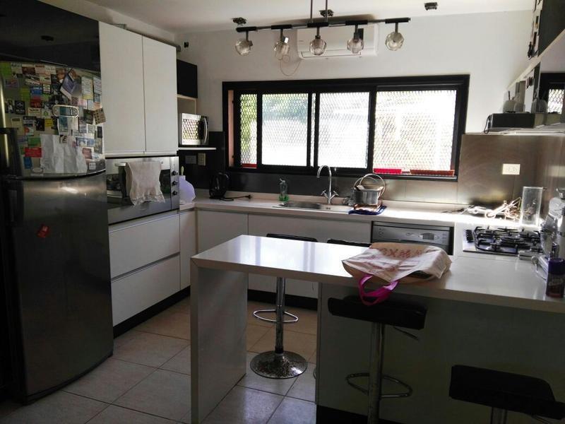 casa en 16/492 y 493 manuel b gonnet - alberto dacal propiedades