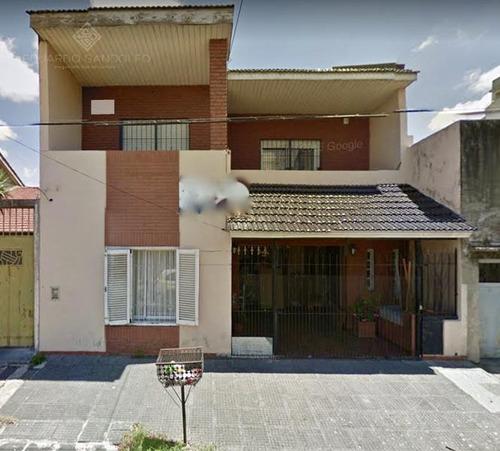 casa en 2 plantas con garage