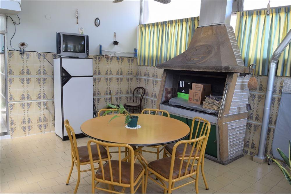casa en 2 plantas. ideal 2 familias - impecable