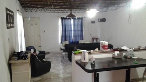 casa en 2 plantas sobre asfalto a mts de r 1003