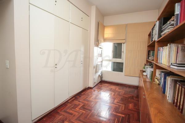 casa en 2 plantas sobre lote propio 8.68x26 mts. muy buen estado y luminosidad- versalles
