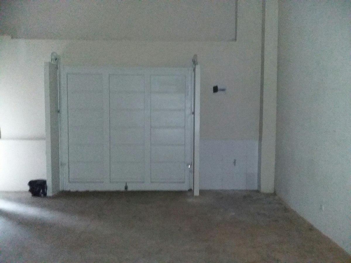 casa en 3 plantas - reciclada - cochera p/ 3 autos