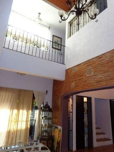 casa en acapantzingo en cuernavaca, hermoso estilo colonial.