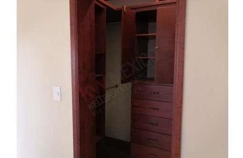 casa en agradable condominio con habitación en planta baja