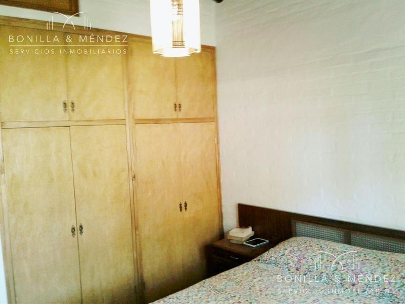 casa en alquiler anual a pocas cuadras de la playa y del devoto en barrio muy tranquilo