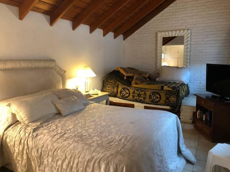 casa en alquiler anual en miraflores country club pileta y 6 dorms grandes