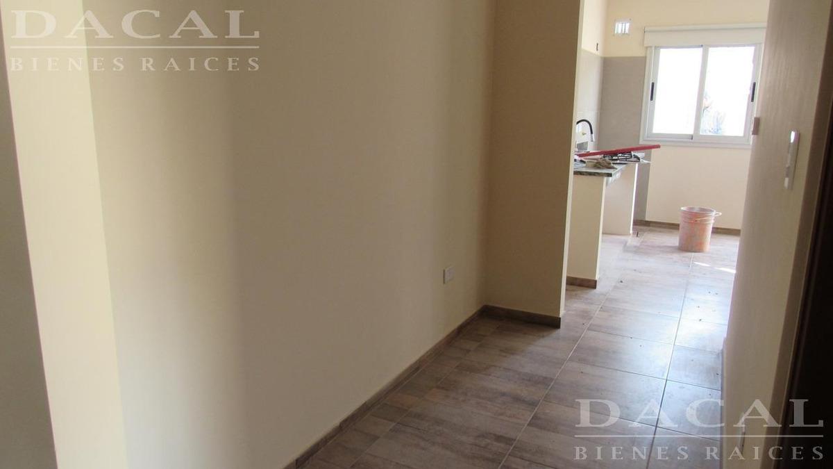 casa en alquiler en city bell calle 467 e/ 19 y 21 dacal bienes raices