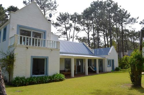 casa en alquiler  en club laguna blanca