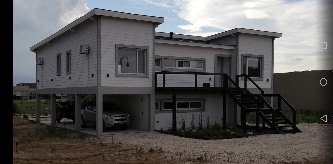 casa en alquiler en costa esmeralda 4 drm/3bños/coch cub/sum