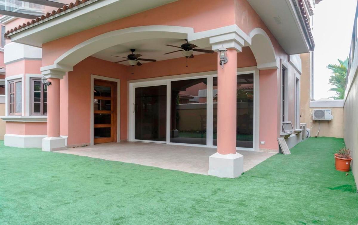 casa en alquiler en costa sur ph el doral 19-5394hel**