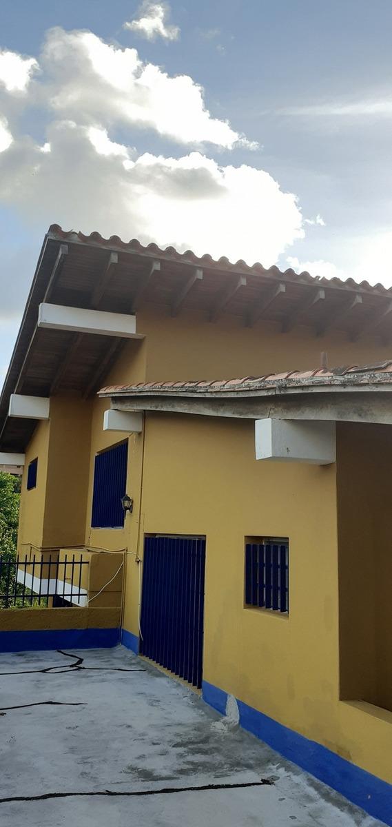 casa en alquiler en la trinidad mn 04141187711