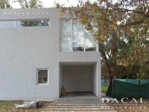 casa en alquiler en villa elisa barrio la elisa dacal bienes raices