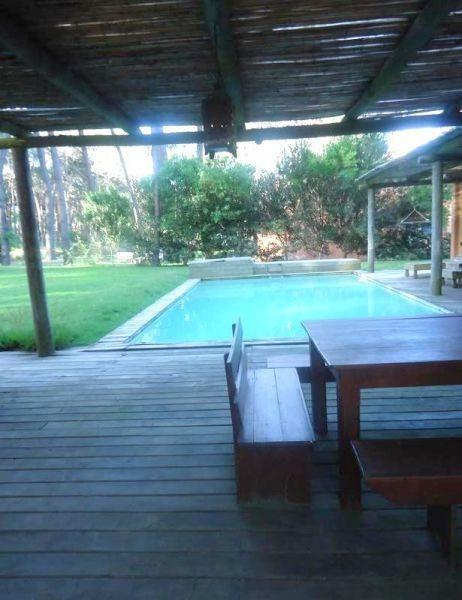 casa en alquiler por temporada de de 4 dormitorios en laguna blanca