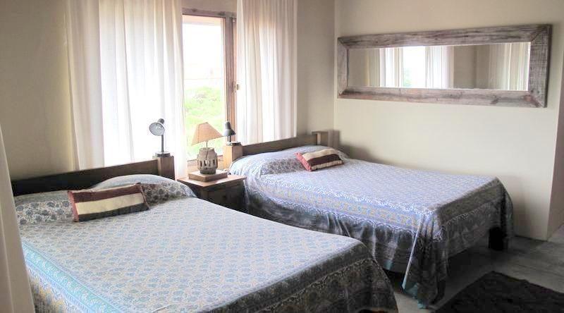 casa en alquiler por temporada de de 4 dormitorios en punta piedras