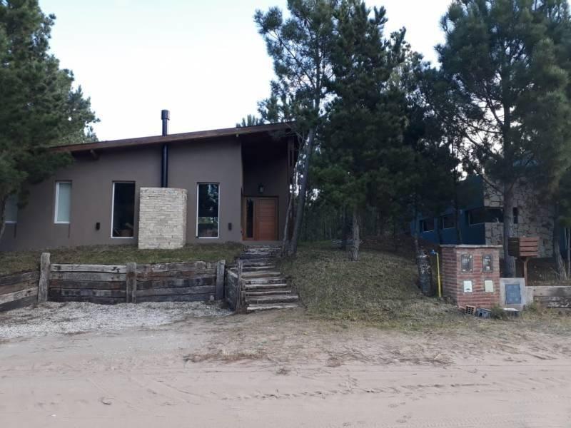 casa en alquiler temporal barrio deportiva en costa esmeralda