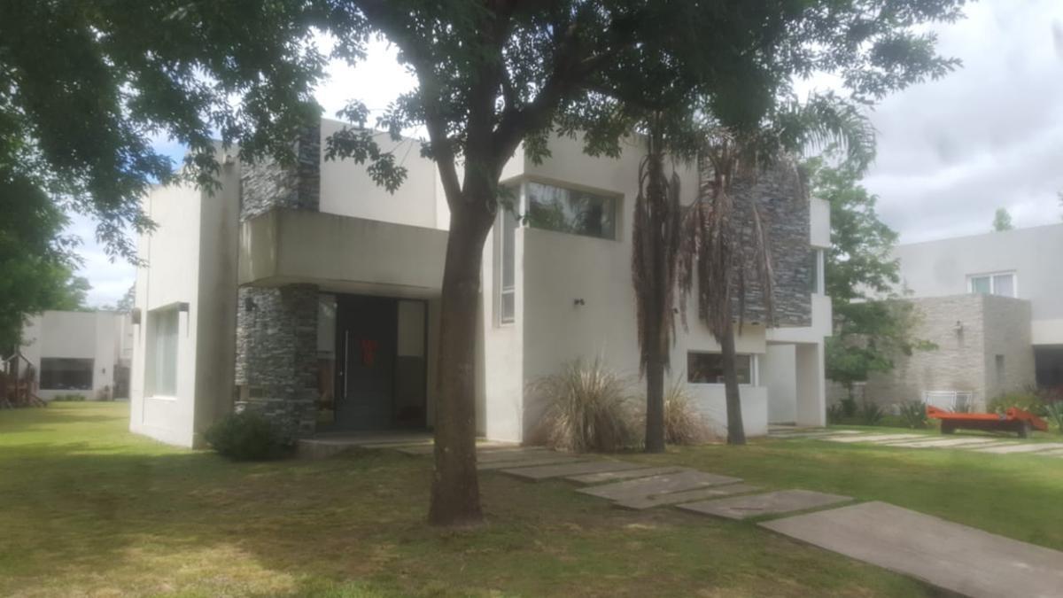 casa en alquiler temporario - barrio cerado santa ana, francisco alvarez