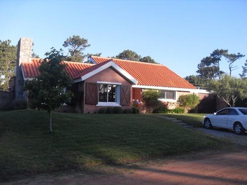 casa en alquiler temporario  en la arbolada (privado