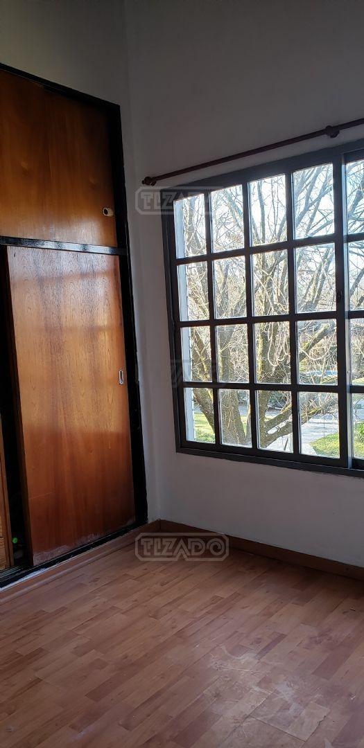 casa  en alquiler ubicado en banco provincia, moreno