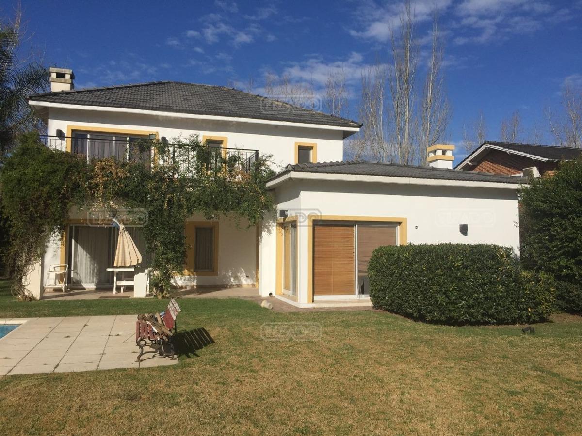 casa  en alquiler ubicado en campos de alvarez, zona oeste