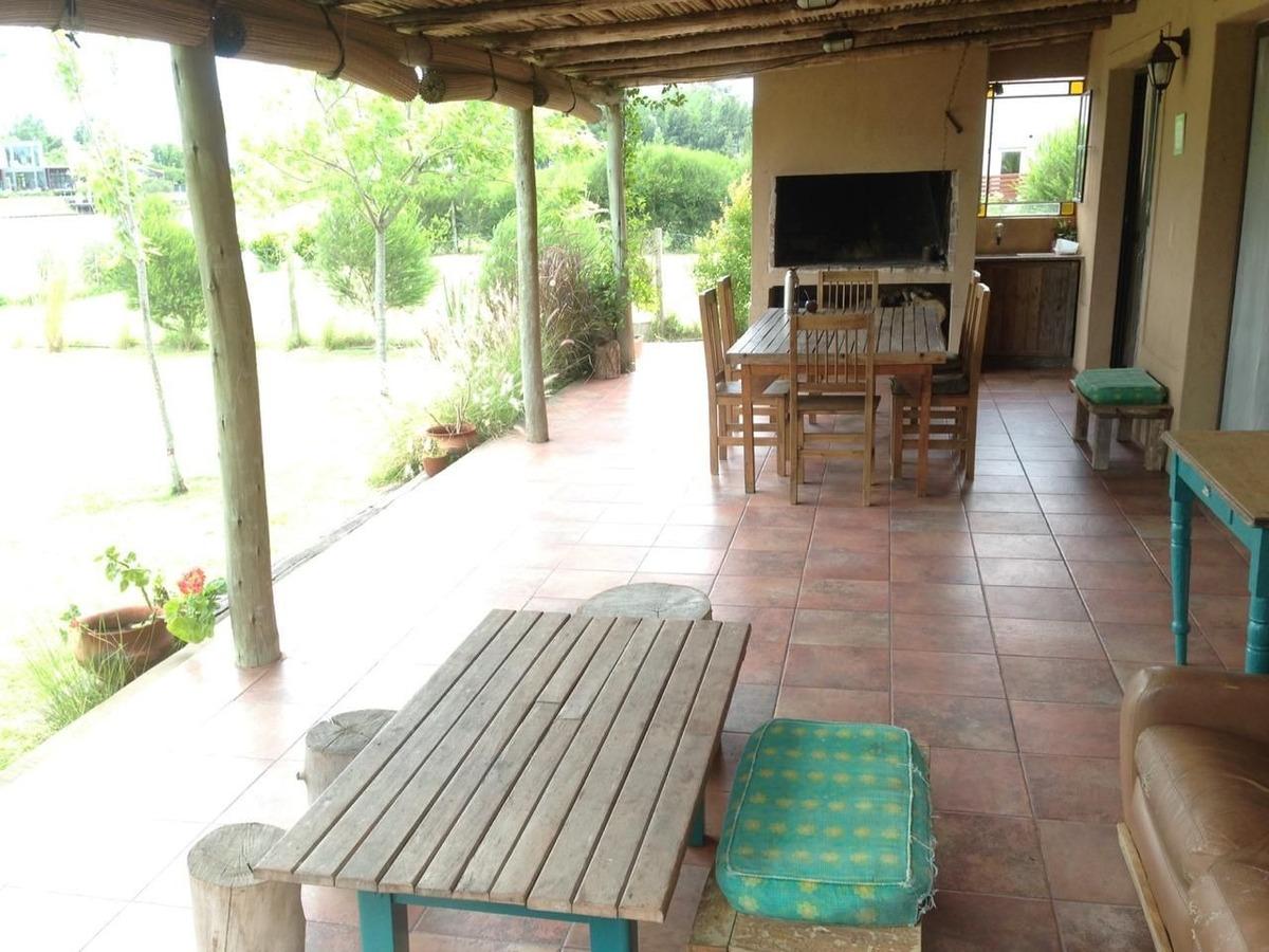 casa  en alquiler ubicado en san benito, villanueva