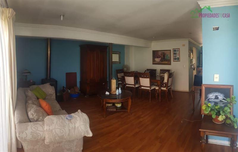casa en arriendo de 5 dormitorios en peñaflor