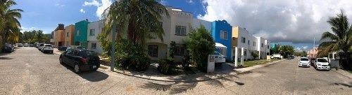 casa en bahia azul cancun cerca del mar