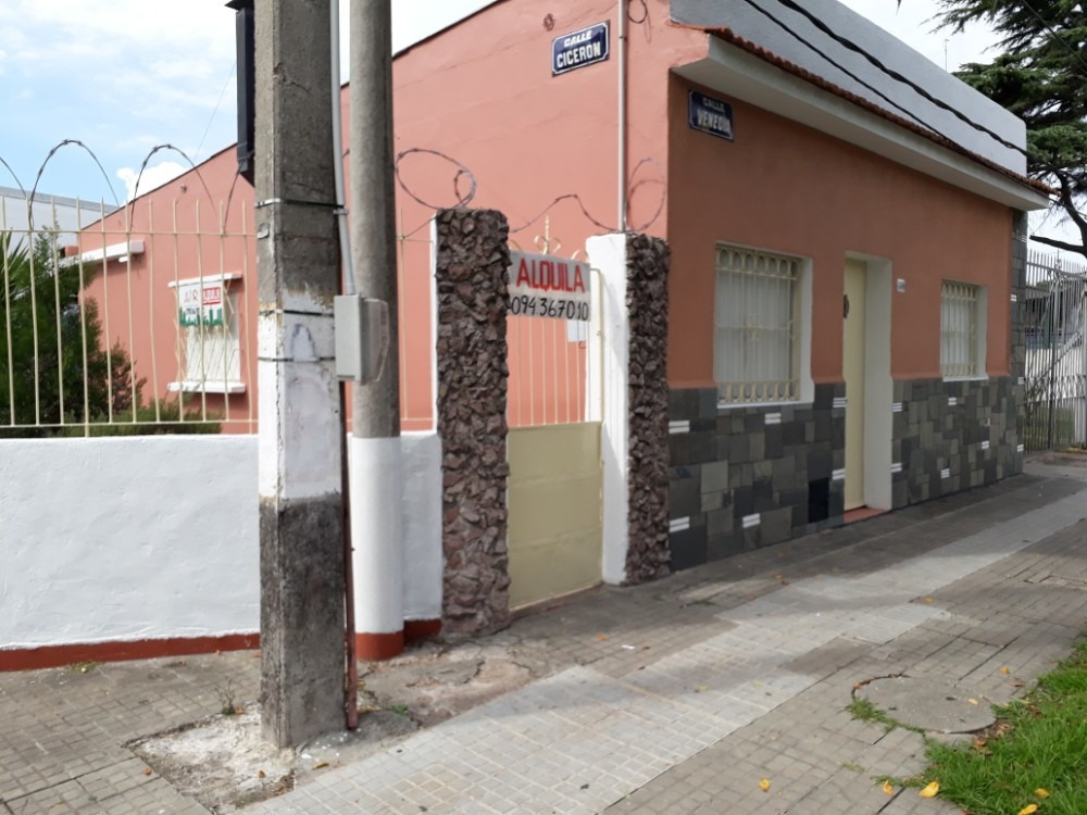 casa en barrio bella italia a pasos de cno. maldonado