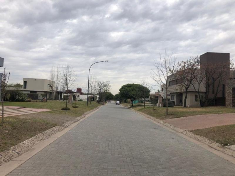casa en barrio cerrado zona sur córdoba capital