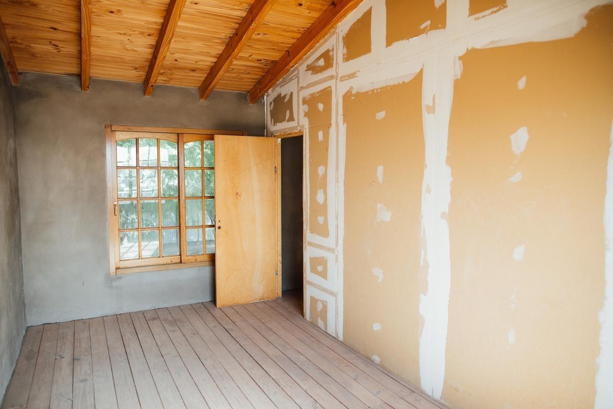 casa en barrio docente nuevo - 4 dormitorios