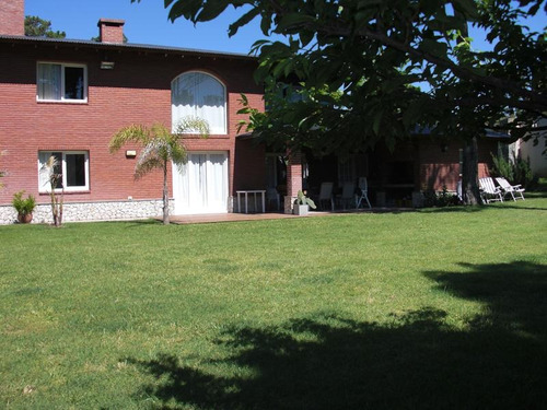 casa en barrio los alamos- pinamar- venta