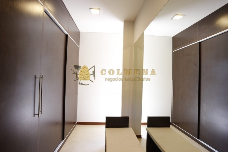 casa en barrio privado en solanas de 4 dormitorios y 3 baños, living, comendor y parrillero. consulte!!!!-ref:2333