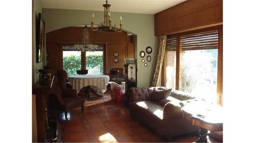 casa en barrio semi privado ideal para familia