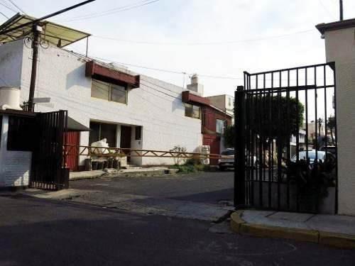 casa en calle cerrada con vigilancia