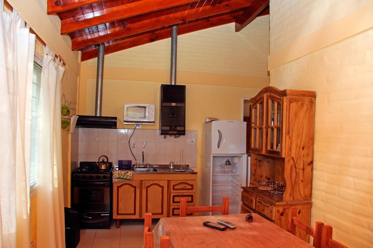 casa en carpinteria para 4 personas con pileta exclusiva