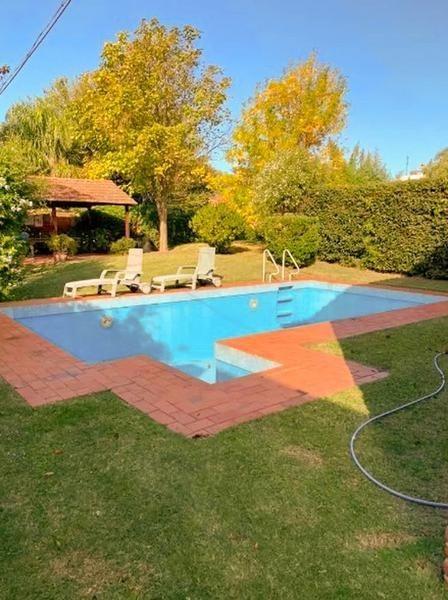 casa  en carrasco 3dormitorios, piscina, barbacoa