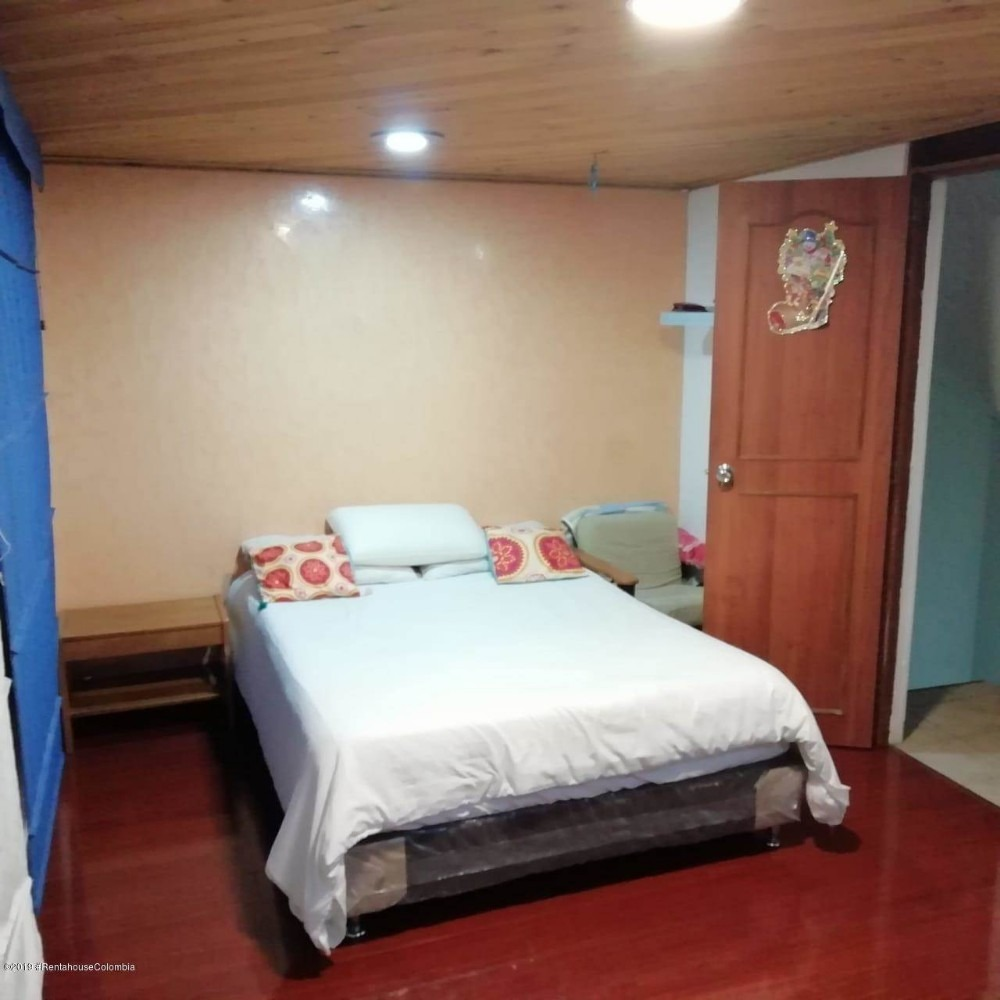 casa en castilla estilo duplex mls #19-940 fr