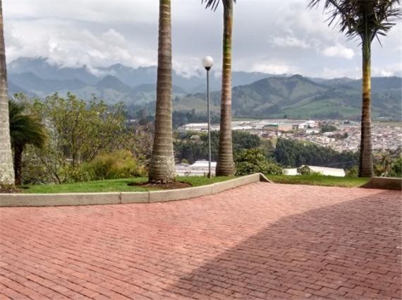 casa en cerros de la alhambra