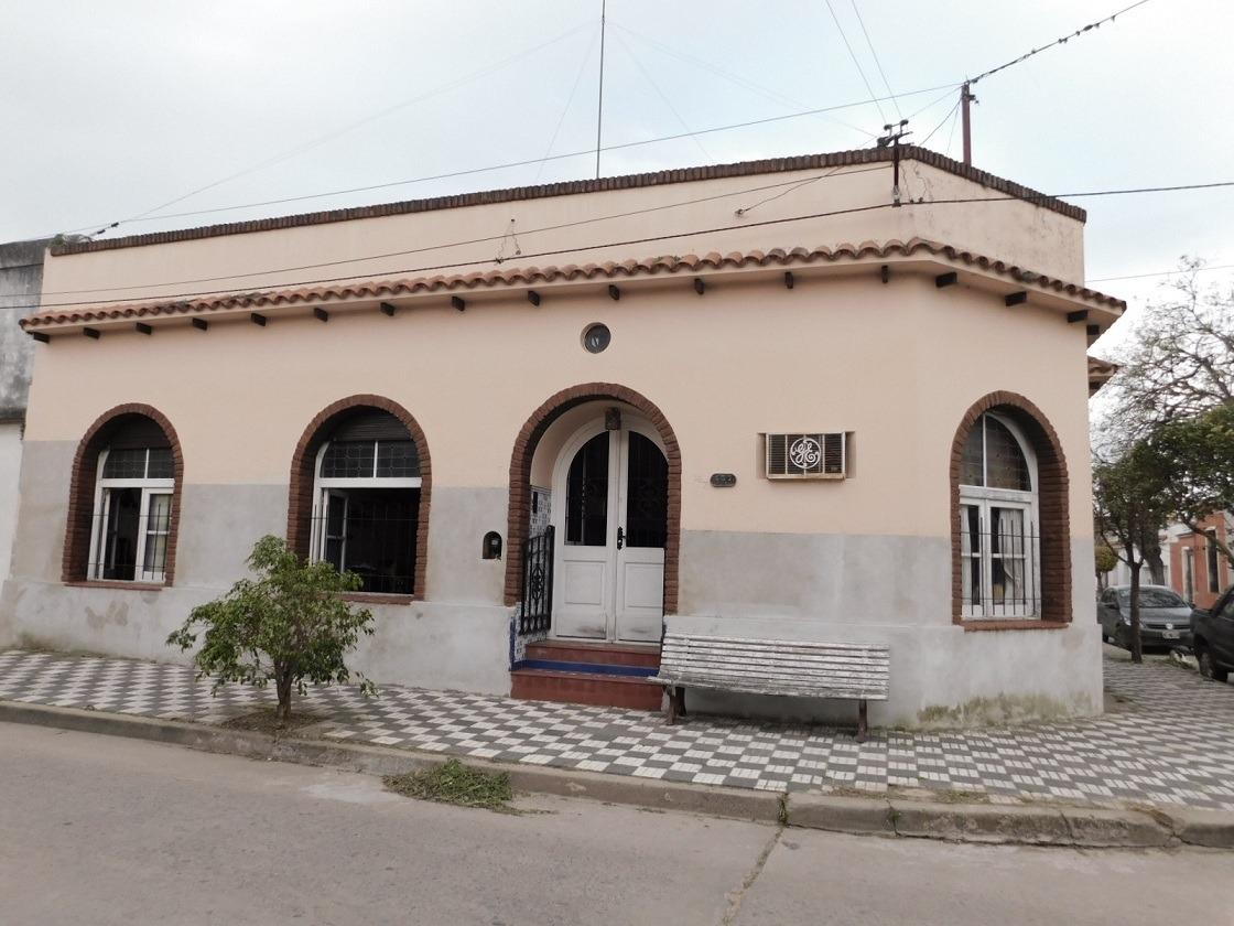 casa en chascomus, casco antiguo de la ciudad