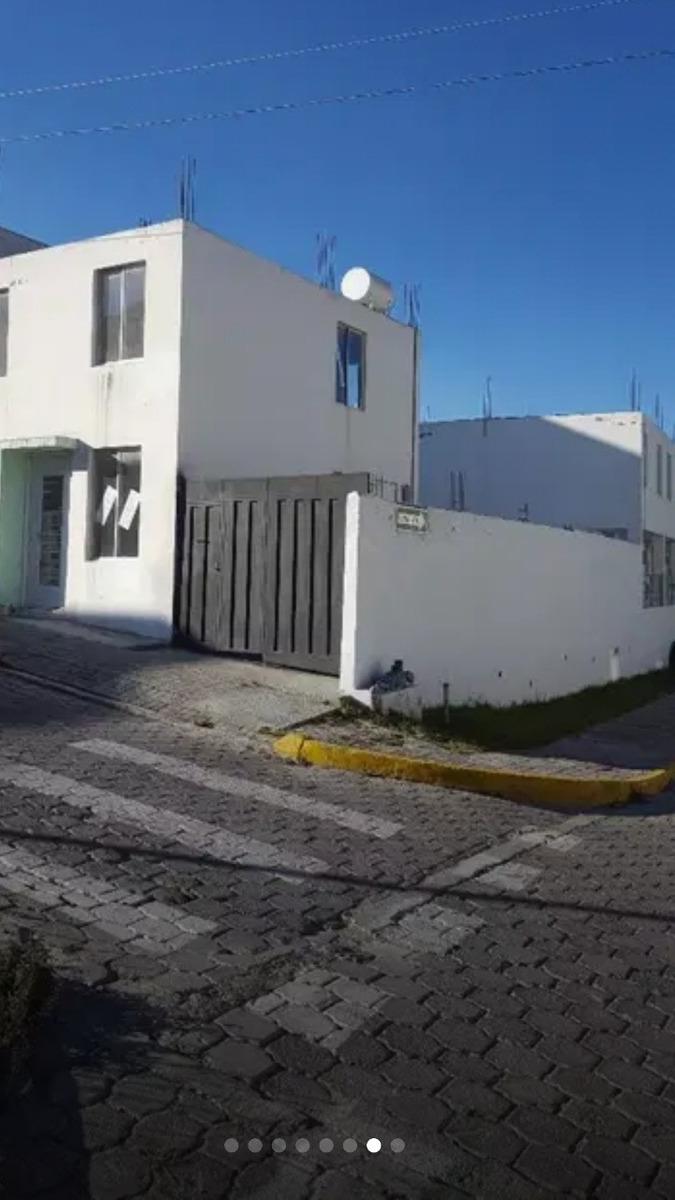 casa en ciudad bicentenario pomasqui