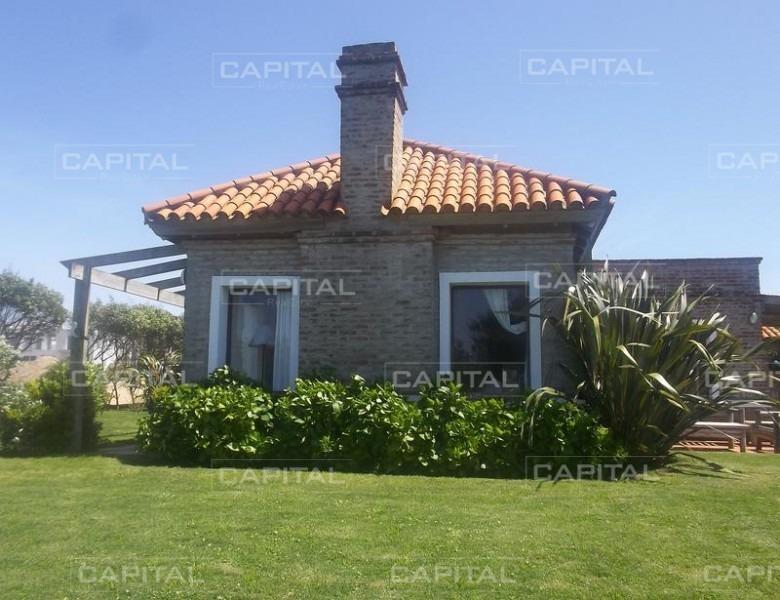 casa en club de mar - barrio privado jose ignacio-ref:25645