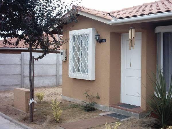 casa en condominio con guardias y piscina