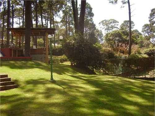 casa en condominio, en agradable ambiente de bosque.