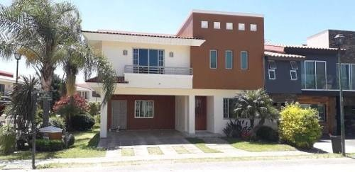 Casa En Condominio En Jardín Real, Zapopan
