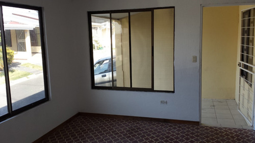 casa en condominio muy seguro
