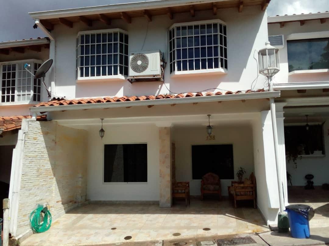 casa en conjunto privado villa country