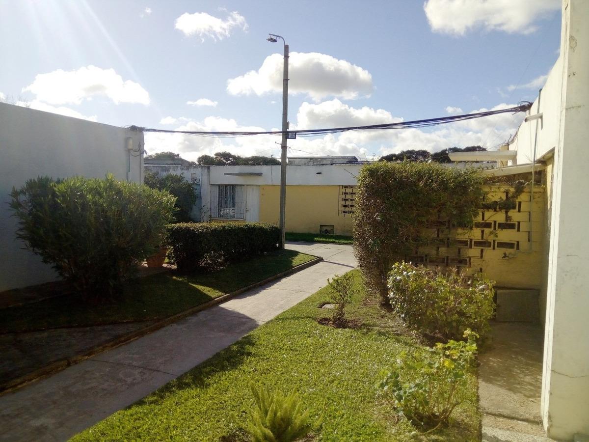casa en cooperativa hipódromo maroñas 4 dormitorios vende
